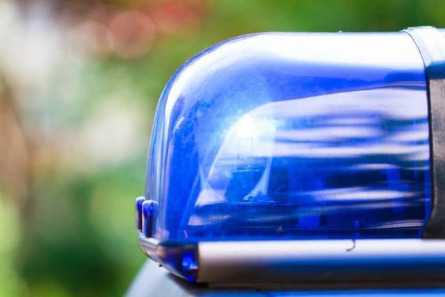 Anhänger kippt um – A5 zwischen Bühl und Achern gesperrt
