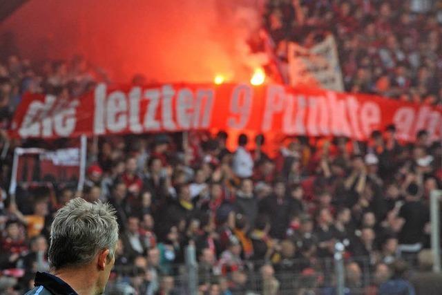 Pyrotechnik im SC-Stadion: Polizei ist Zündlern auf der Spur