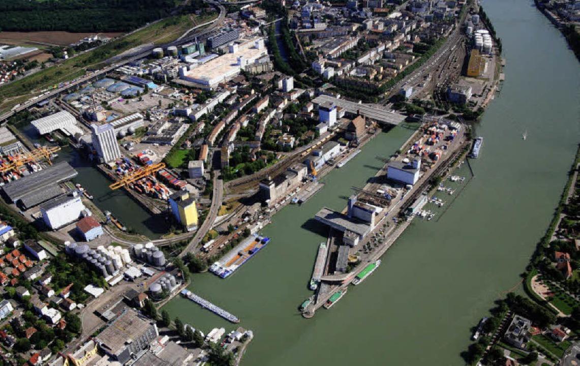 Rheinhäfen wollen Hafen nicht ins Elsass verlagern - Basel ...