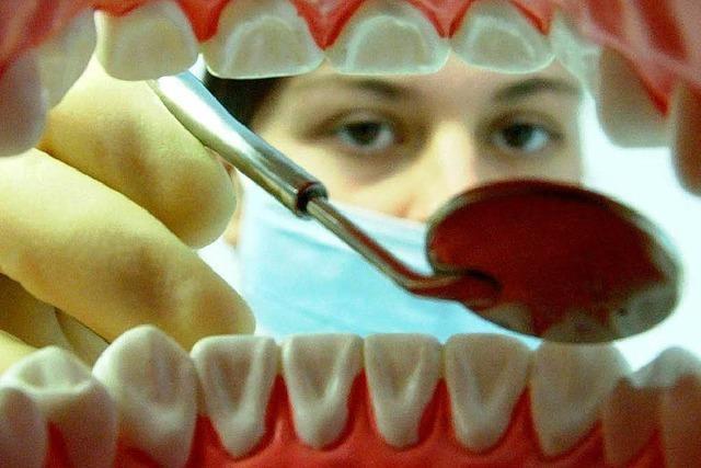 Können Zahnarzt-Rechnungen schärfer kontrolliert werden?