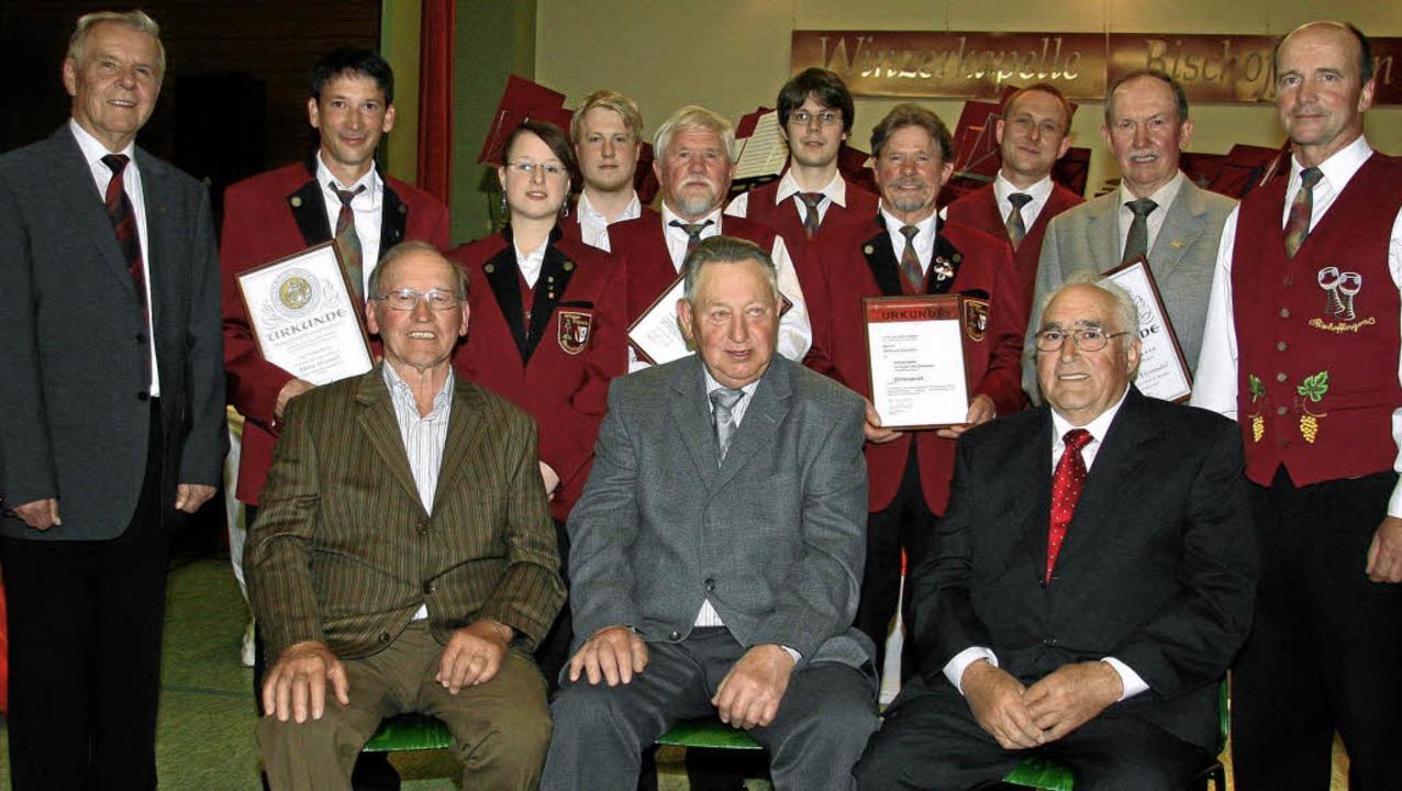 Beim Konzert der Bischoffinger Winzerk...idlin, Walter Weber und Manfred Bühler  | Foto: herbert trogus