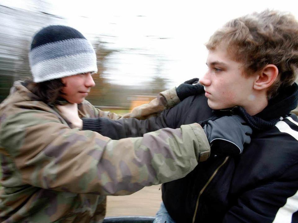Gewalt nimmt auch bei Jugendlichen weiter zu.  | Foto: A3462 Marcus Führer