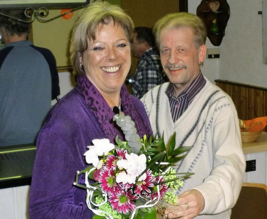 Der Kolping-Vorsitzende Thomas Schmied... ihren Besuch bei der Kolpingfamilie.   | Foto: zvg