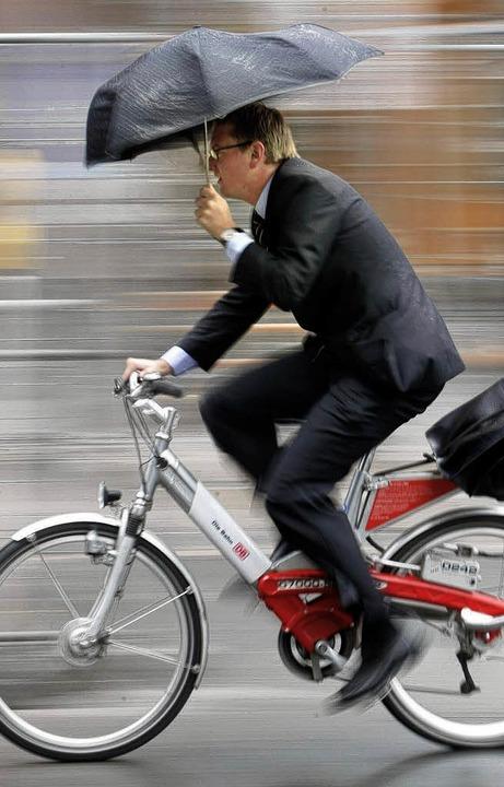 Alternative II: das Fahrrad   | Foto: dpa