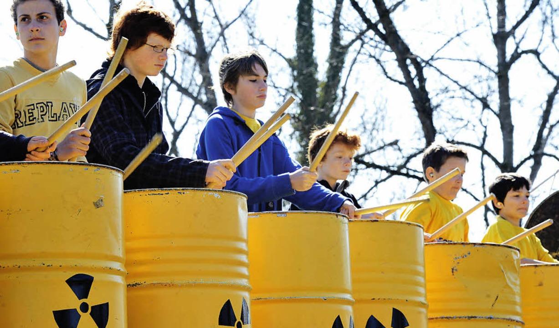 Seit Fukushima reißt der Protest gegen die Atomkraft nicht  ab.    | Foto: Münch