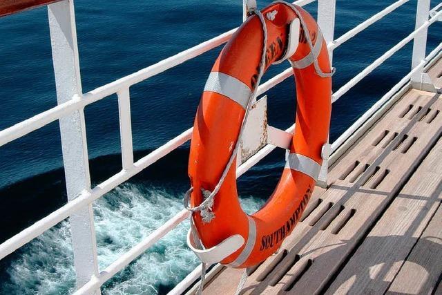 Rheinschiff schlägt nach Fahrfehler leck – 160 Menschen gerettet