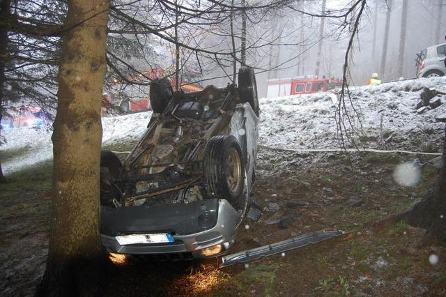 Schneeglätte im April – vier Verletzte bei Unfall am Schauinsland