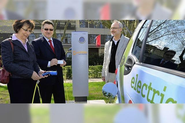100 Kilometer für 2,20 Euro: Im E-Smart leise und sauber unterwegs