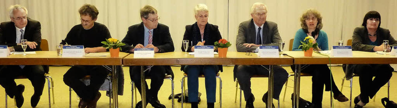 Zu einer Demo für die Schulsozialarbei...Die Grünen) und Marianne Wonnay (SPD).  | Foto: Karlernst Lauffer