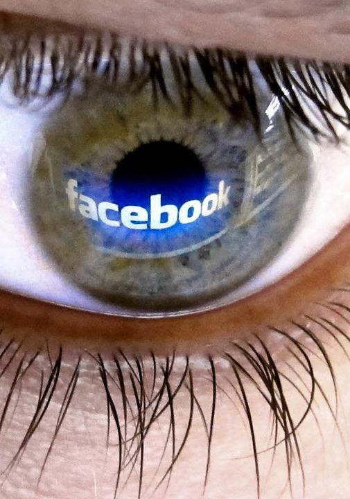 Wie weit dürfen Regierungsbeamte in sozialen Netzwerken gehen?  | Foto: dpa