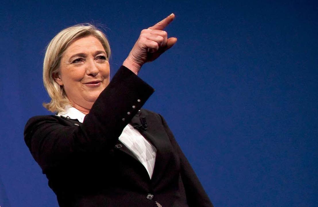 Marine Le Pen von der Front National e...ag sie sogar vor Sarkozy und Hollande.  | Foto: dpa