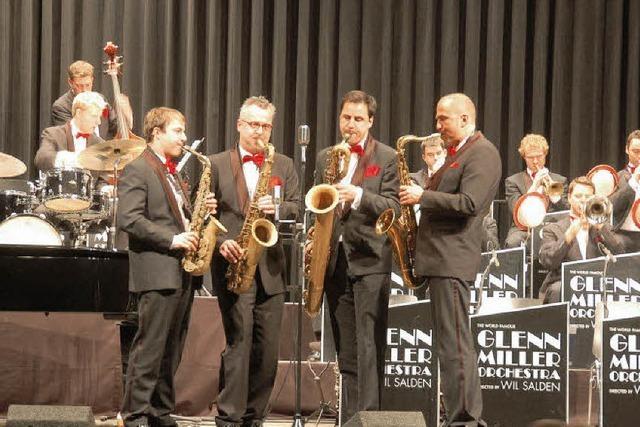 "Im Denzlinger Bürgerhaus war das ""Glenn Miller Orchestra"" zu Gast"