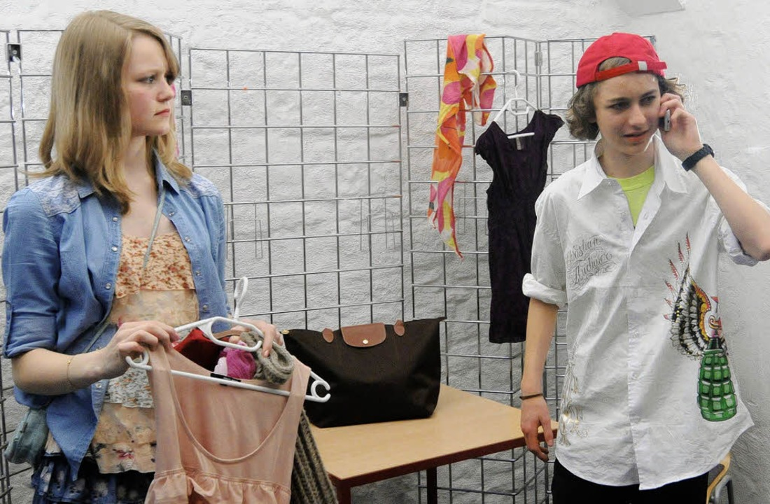 Chantal (Laila Hertenstein) und ihr st...vergangenen Freitag aufgeführt wurde.     Foto: Wolfgang Künstle