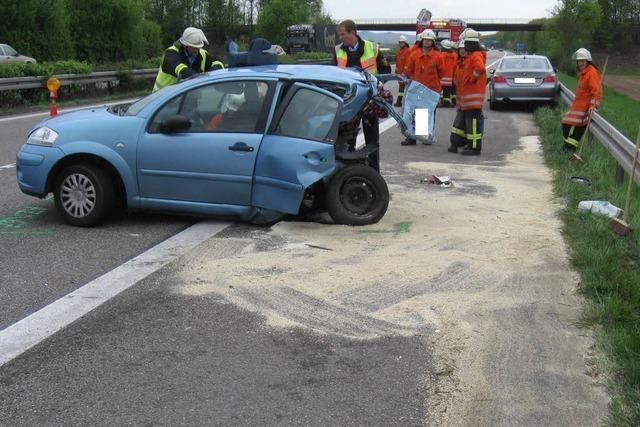 Mutter und Tochter sterben nach Unfall auf der A5 bei Rust