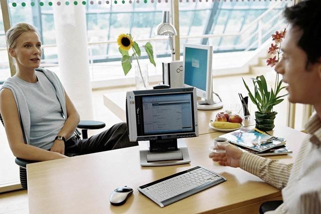 Mitarbeitergespräche: Machtlos gegen Lob