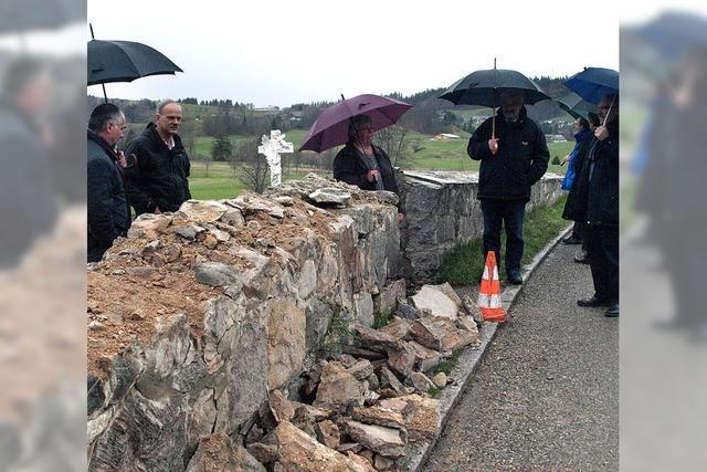 Friedhofsmauer in Ibach ist instabil und muss saniert werden