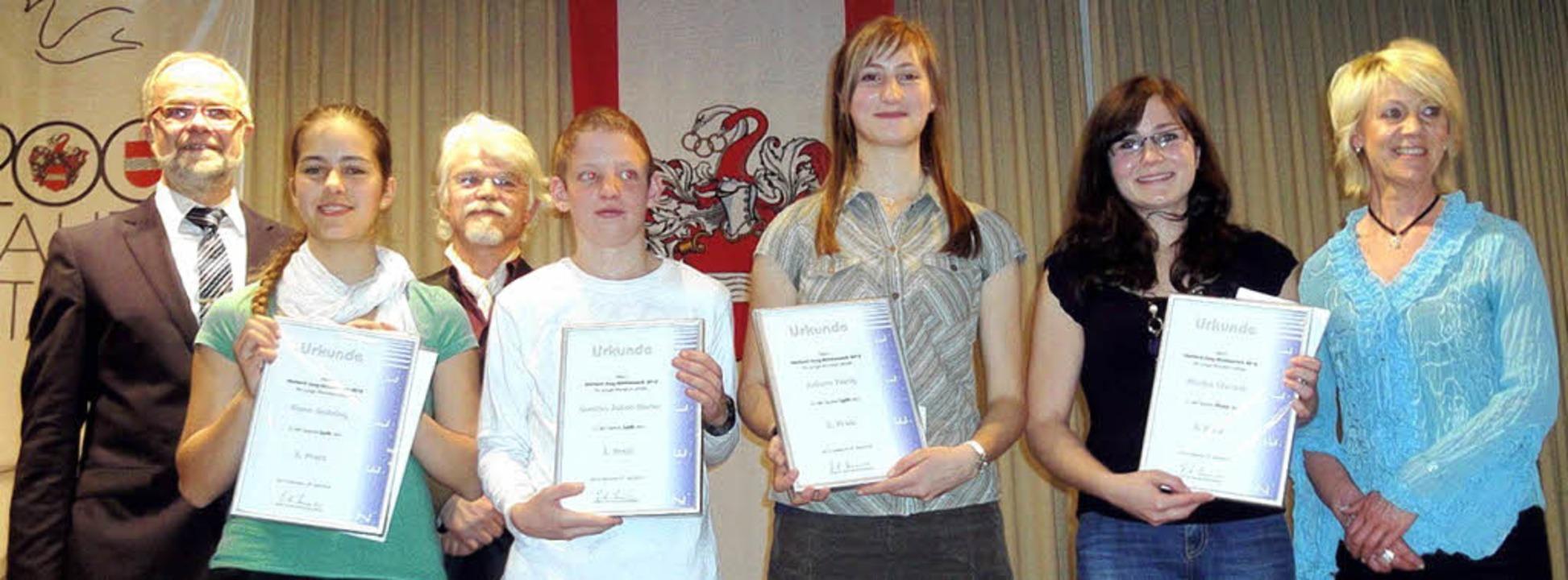 Da sind sie, die stolzen Preisträger u... Rombach aus Leiselheim war abwesend.   | Foto: Silke Hartenstein