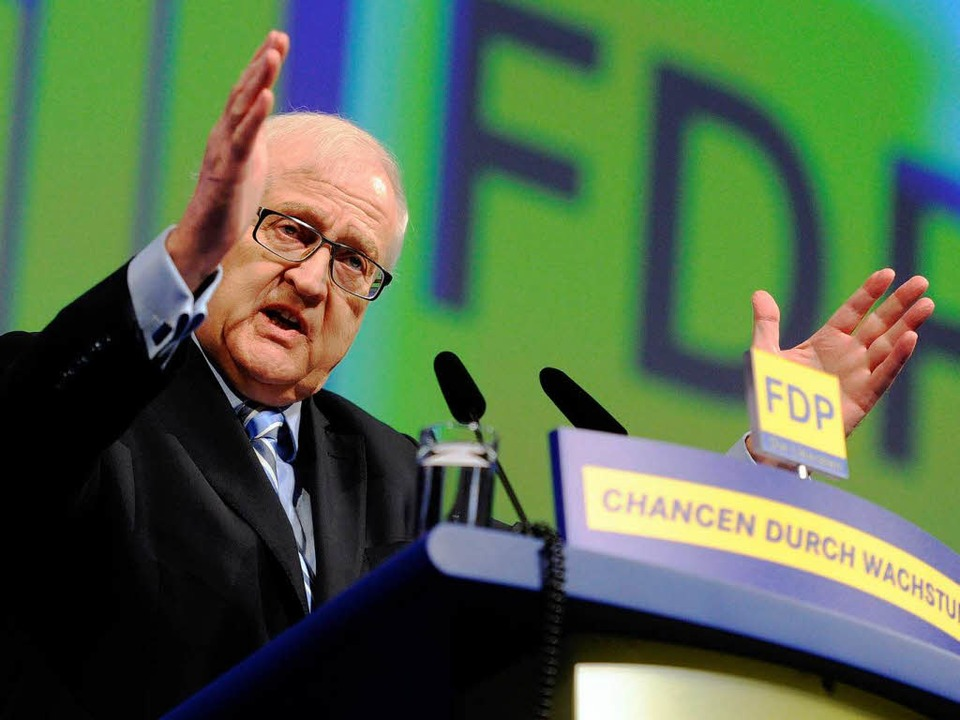 Rainer Brüderle beim FDP-Parteitag in Karlsruhe.    Foto: dpa