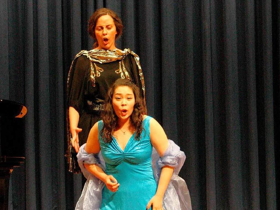 "Boram Bae und Sonja Herrling in &#8222...di"" am Opernabend im Mozartfest.  | Foto: Hans Jürgen Kugler"
