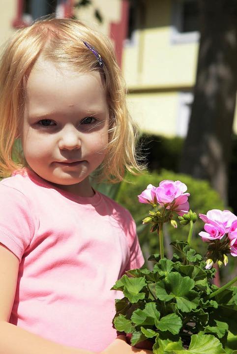 Auch kleine Gärtnerinnen  wurden beim ...schon ein Vorbote auf den Muttertag?    | Foto: DEcoux-KOne