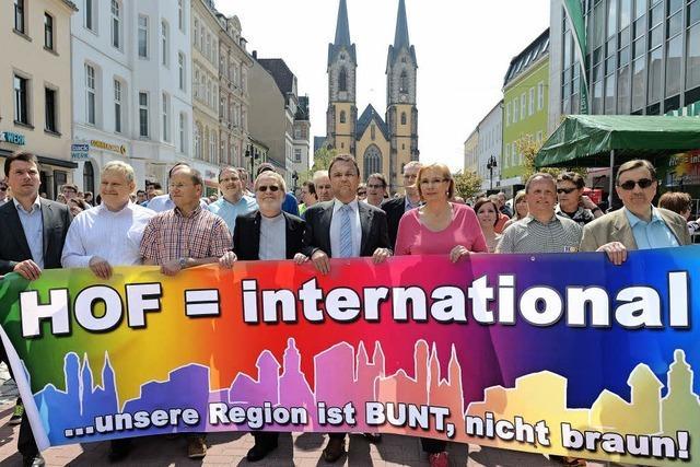 Friedliche Demos gegen die NPD