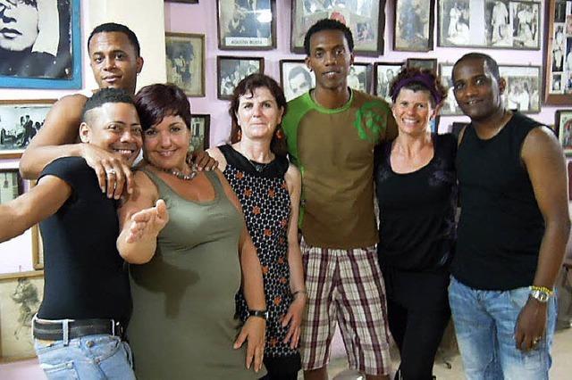 Tanzkurs in Kuba: Schulter vor, Becken kreisen