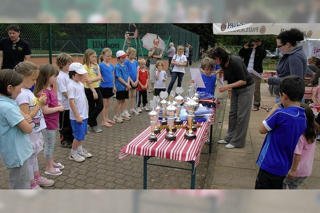 52 Tennistalente zeigen in Sasbach ihr Können