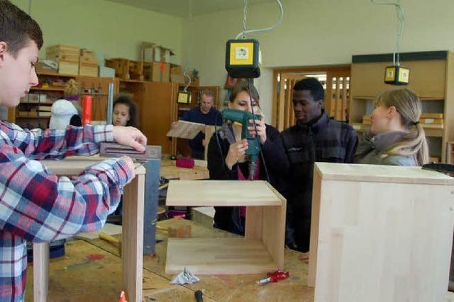 Schüler werkeln für Schüler