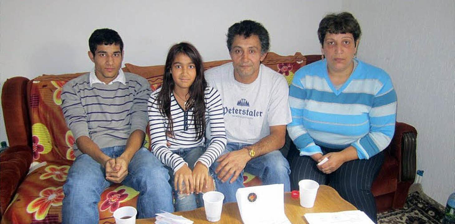 Die Familie Tatari im November 2010 na...m Herzzentrum in Lahr operiert wurde.   | Foto: Privat