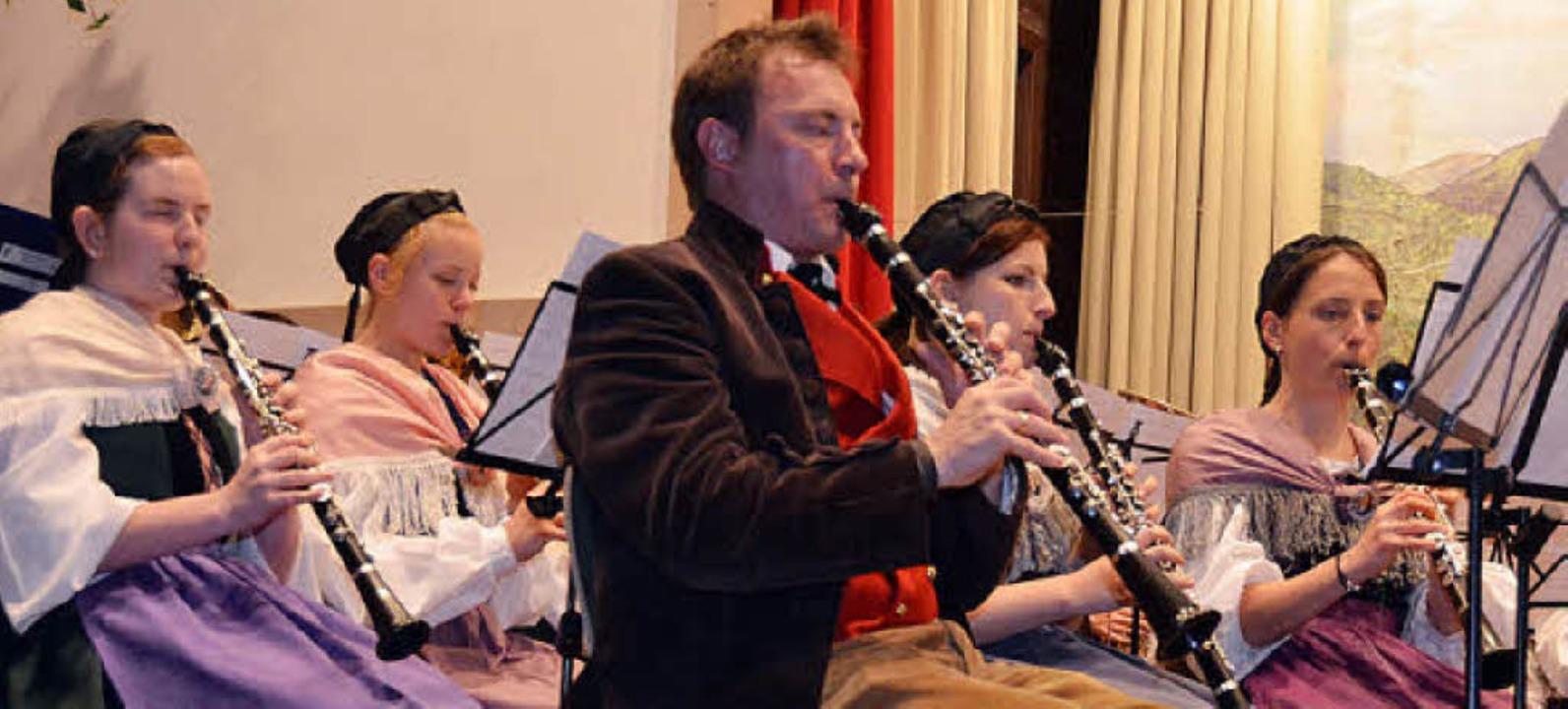 Die Hebelmusik sorgte wieder für den guten Ton.  | Foto: Silke Hartenstein