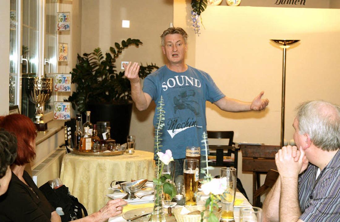 Gesten- und pointenreich: Jaromir Konecny im Burger's  | Foto: Decoux-KOne