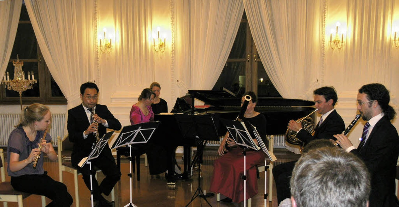 Das Münchner Klaviersextett ArteTonal-...er Musikfrühlings mit starken Bildern.  | Foto: Margrit Matyscak