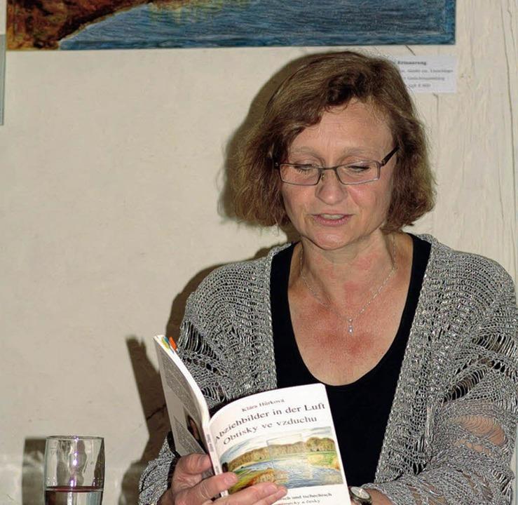 Klara Hurkova bei ihrer Lesung in Umkirch.   | Foto: kati wortelkamp