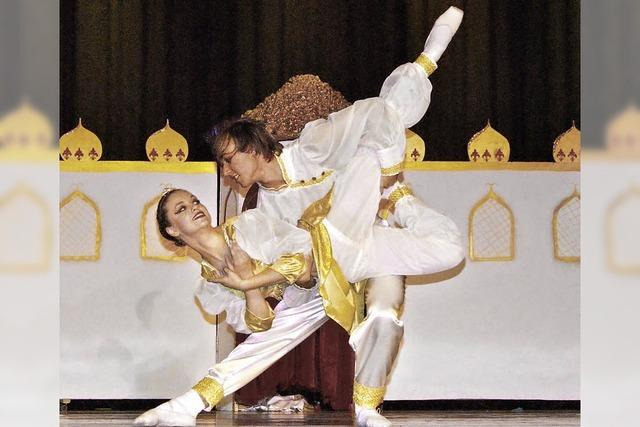 AB FREITAG: KINDER: Tänzerisch und zauberhaft