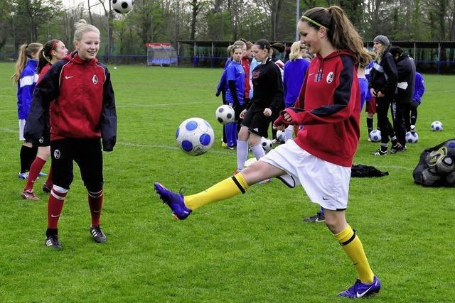 Stützpunktarbeit und Talentsichtung gibt's auch für Kickerinnen