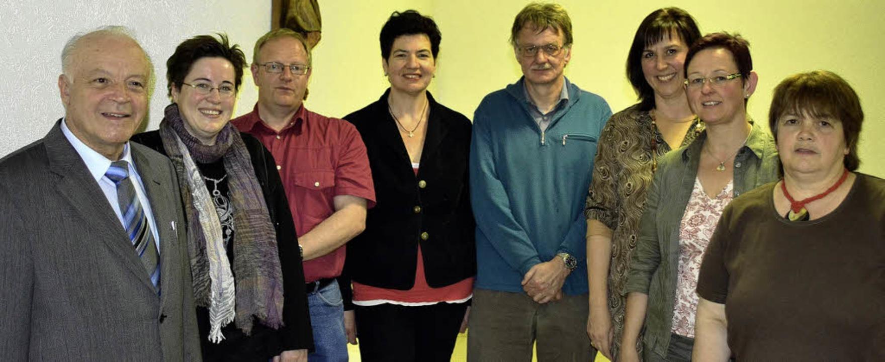Neues Führungsteam der Chorgemeinschaf...lke Becker, Notenwartin Beate Kaiser.   | Foto: Paul Berger