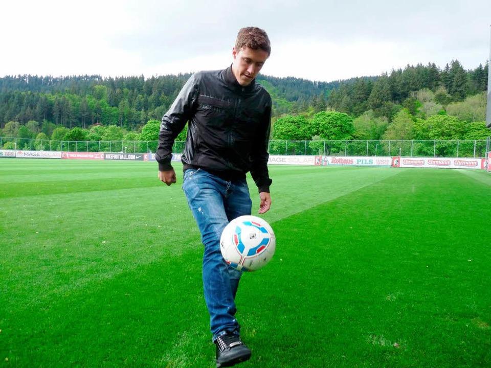 Max Kruse hat beim SC Freiburg untersc...ngsplatz neben dem Mage-Solar-Stadion.  | Foto: dapd