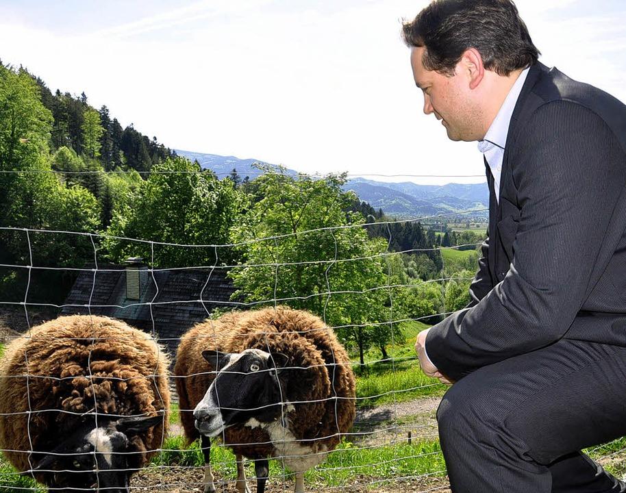 Minister Alexander Bonde besucht Häuslemaierhof  | Foto: Verena Pichler