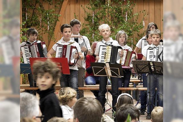 Tanz und Musik am Gummenwald