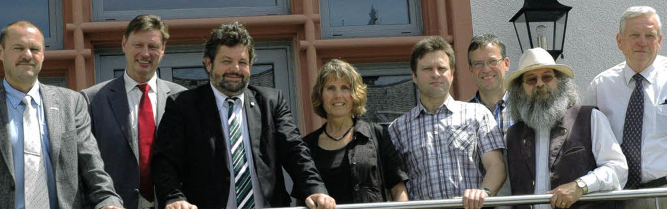 Gruppenbild mit Abgeordnetem: Jörg Oeh...ieter Folles, Bernd Struck (von links)  | Foto: Stefan Sahli