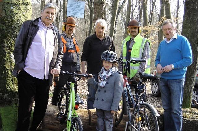 Fahrradständer im Wald