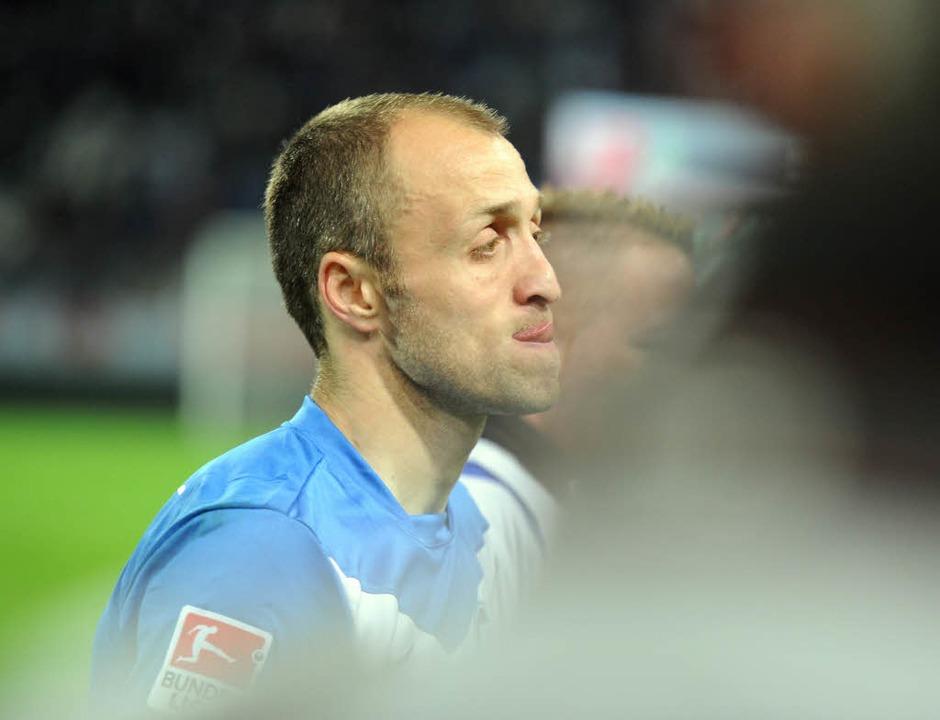 Der Karlsruher Alexander Iashvili verl...en KSC den Abstieg in die dritte LIga.  | Foto: dpa