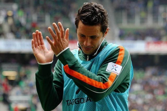 Pizarro verlässt Werder – Leverkusen hält Trainer-Duo