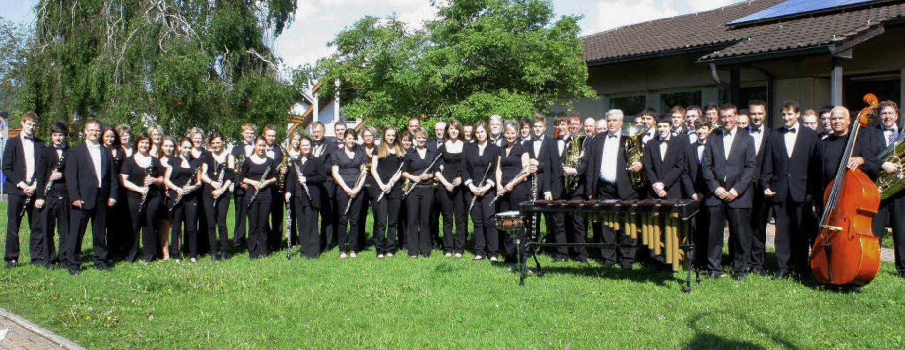 Das Rickenbacher Blasorchester nach dem erfolgreichen Wertungsspiel  | Foto: bz