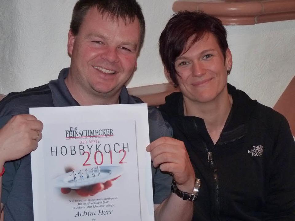 Viertbester beim bundesweiten Hobbykoc... Alexandra, präsentiert seine Urkunde.  | Foto: Hülter-Hassler