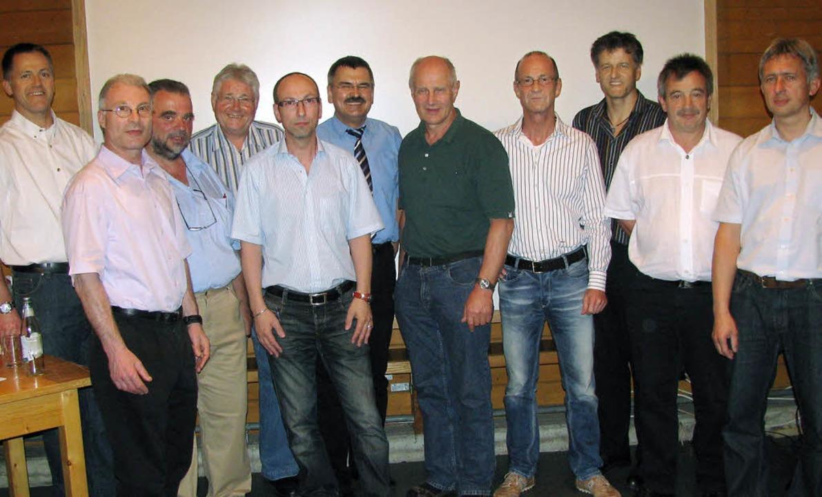Vorstand und Aufsichtsrat der Genossen...Trinler und  Claus Burger (von links).  | Foto: Erika Dietrich