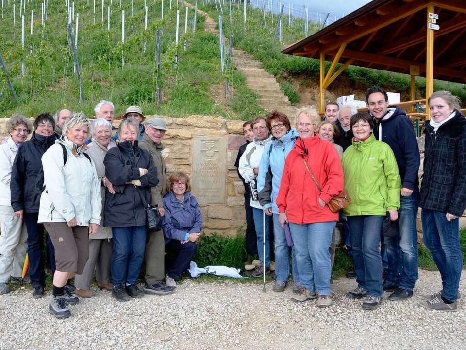 Gruppenfoto der Teilnehmer bei der Wanderung mit Weinprobe    Foto: Bz