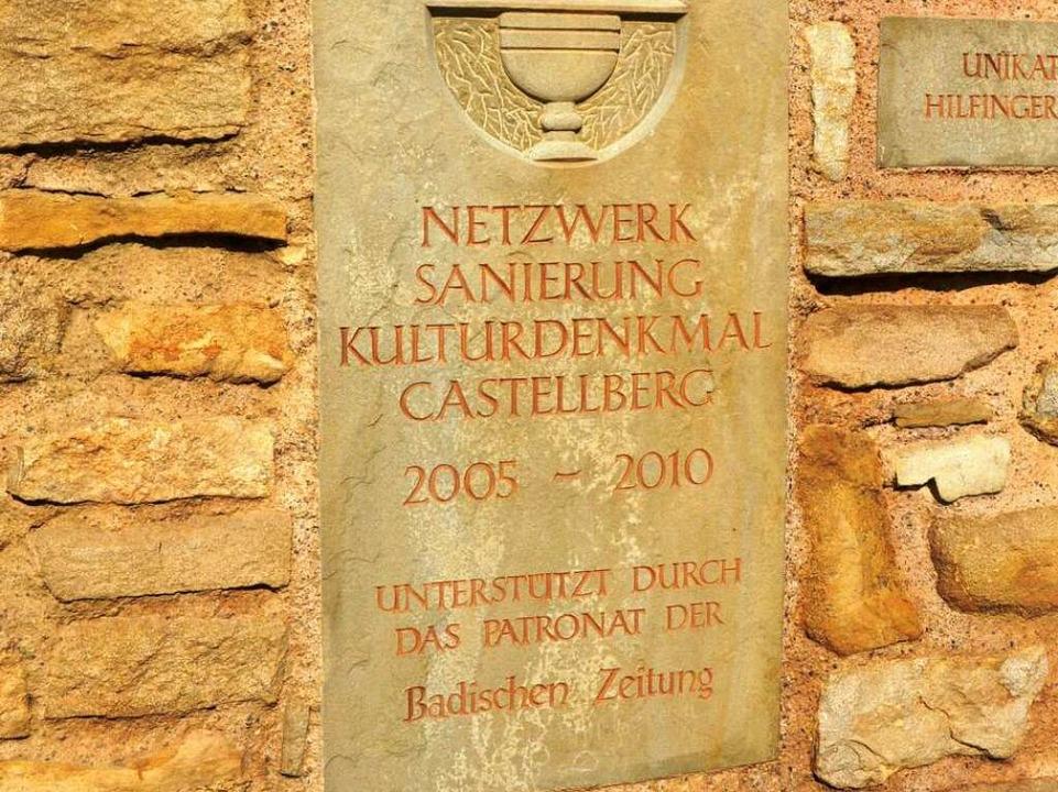 Patronatsschild der Badischen Zeitung auf dem Castellberg    Foto: bz