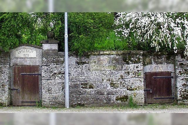 Dorfbrunnen erhalten zum Feuerwehrjubiläum eine Schönheitskur