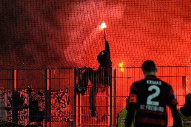 Reaktion auf BVB-Fans: Stadt verteidigt Stadionordnung